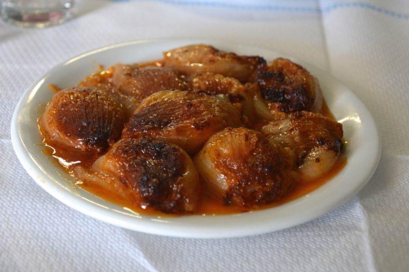 Σουγάνια Λέσβου - Καφεπαντοπωλείο της Ειρήνης - Φολέγανδρος - Greek Gastronomy Guide
