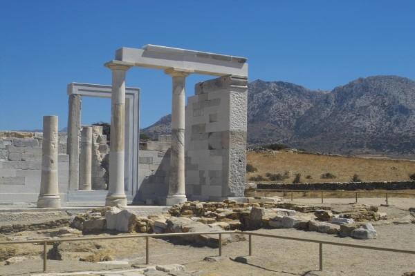 Το αρχαίο ιερό του Απόλλωνα & της Δήμητρας στο Γύρουλα Σαγκρίου,Νάξος