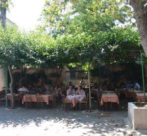 Ταβέρνα Ο Πλάτανος, Πλάκα - Greek Gastronomy Guide