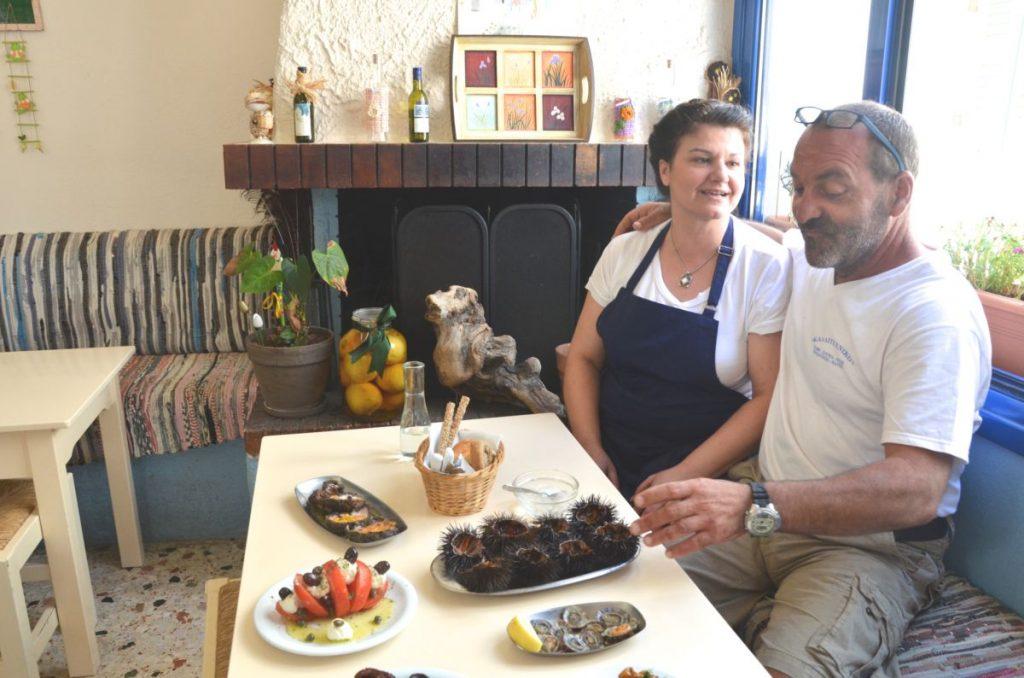 Καλλιτεχνικό καφενείο στον Πρόδρομο Πάρου - Greek Gastronomy Guide
