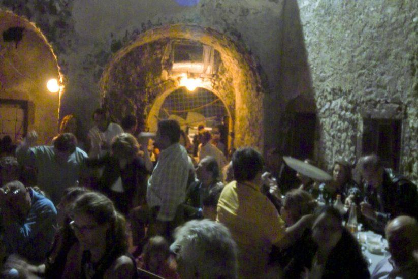 Πανηγύρι της Αγίας Ματρώνας στη Φοινικιά Σαντορίνης