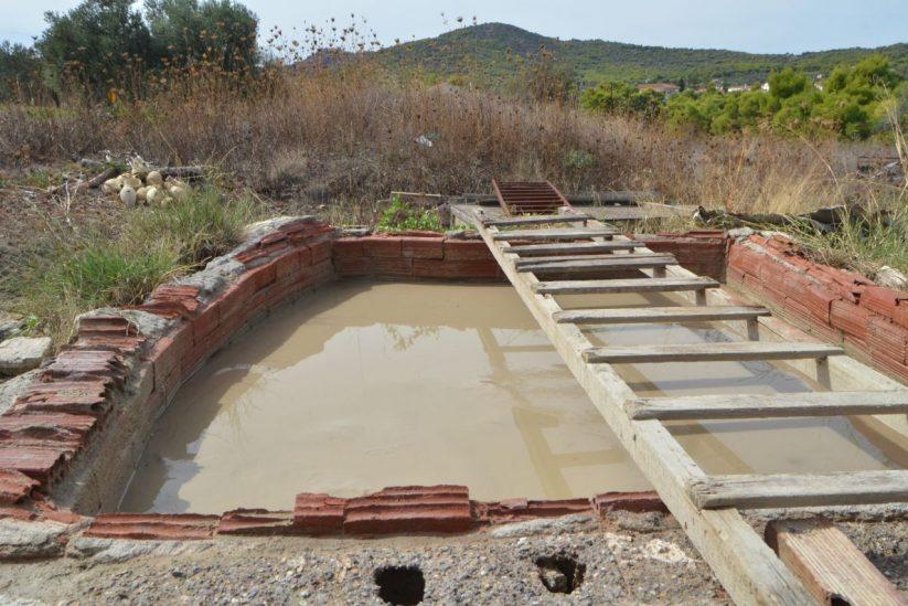 Τα κεραμικά του Νεκτάριου Γκαρή - Αίγινα - Greek Gastronomy Guide