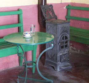 Καφενεπαντοπωλείο Μουζακίτη στους Αυλιώτες - Greek Gastronomy Guide