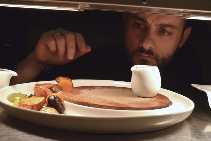 Παναγιώτης Μενάρδος - Εστιατόριο m-eating - Μύκονος - Greek Gastronomy Guide