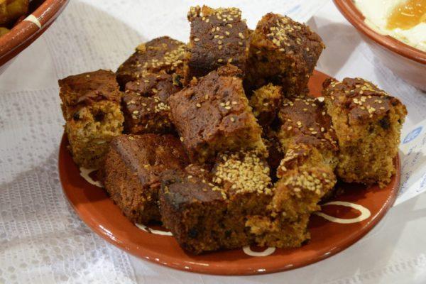 Λωλή Σίφνου - Γλυκά με μέλι - Greek Gastronomy Guide