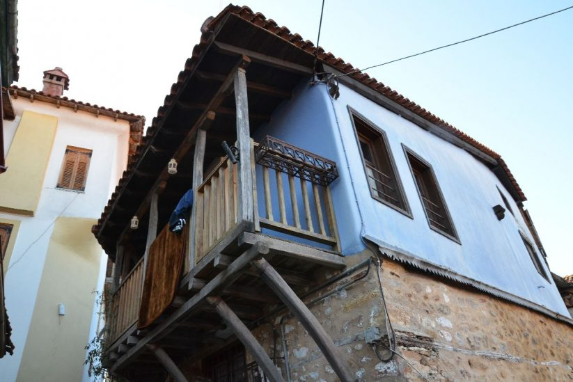 Αρναία - Παραδοσιακός οικισμός στη Χαλκιδική - Greek Gastronomy Guide