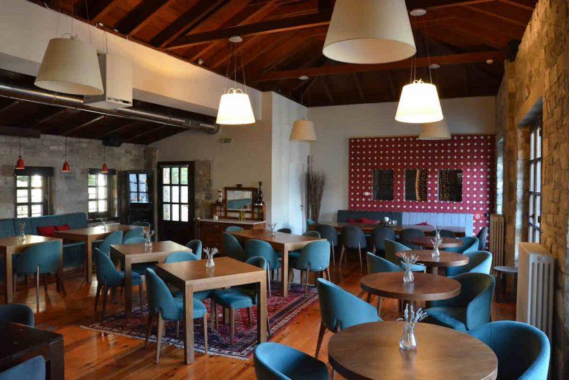 Σάλβια στο Aristi Mountain Resort & Villas - Greek Gastronomy Guide