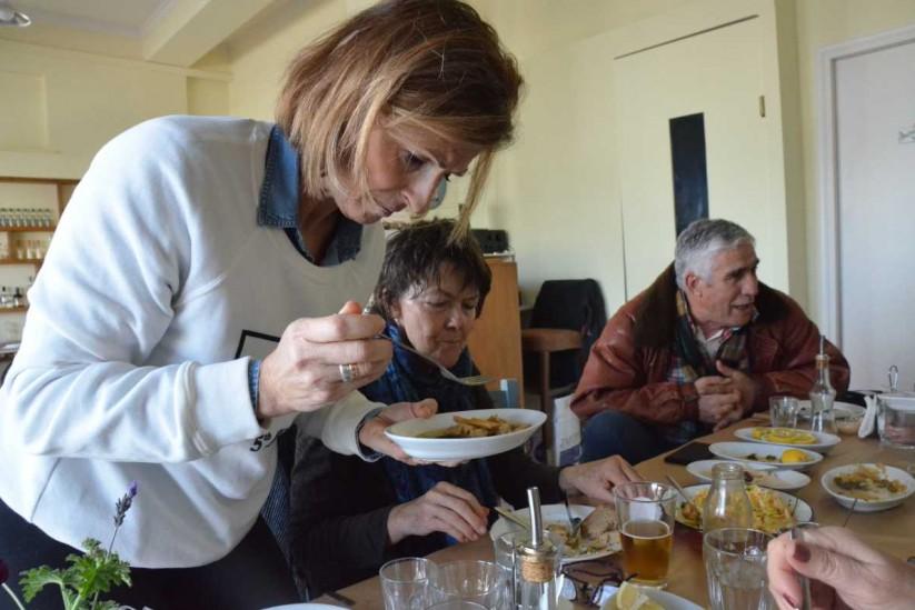 Ό,τι φάμε κι ό,τι πιούμε, ουζερί στο Ληξούρι, Κεφαλονιά