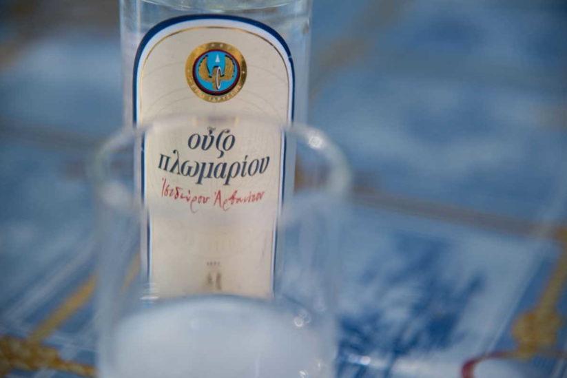 Ούζο Πλωμαρίου Ισιδώρου Αρβανίτου - Greek Gastronomy Guide