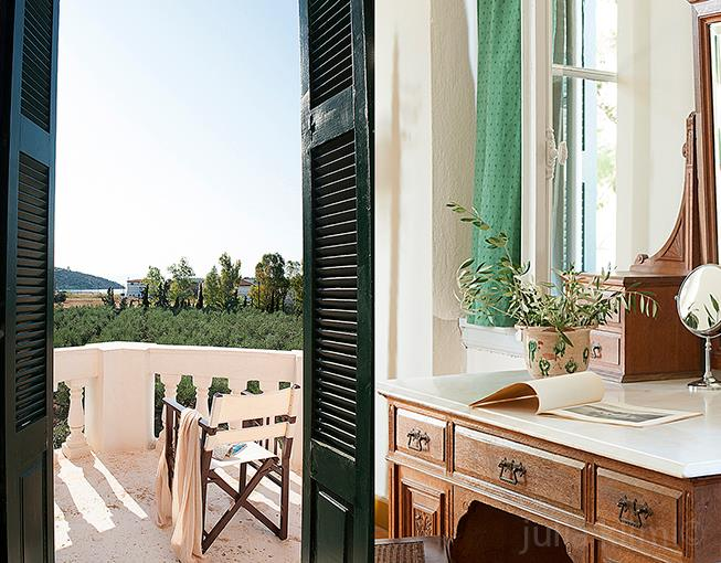 yades-Ermioni-Estate-room-with-a-view