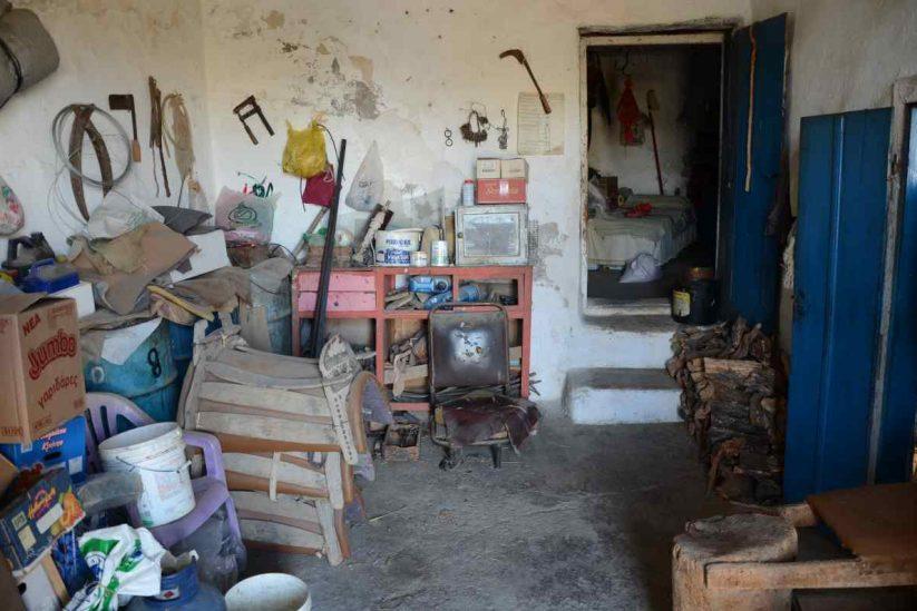 Το καφενείο Καλή Καρδιά του Ευάγγελου Παπουτσάκη στη Νύβριτο Ηρακλείου Κρήτης