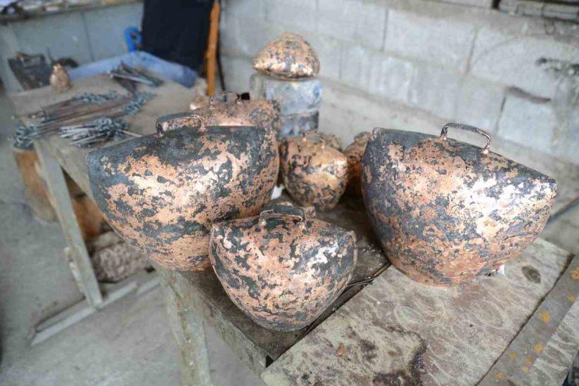Παραδοσιακά Κουδούνια Κρήτης - Το εργαστήρι του Μηνά Μηλλιαράκη