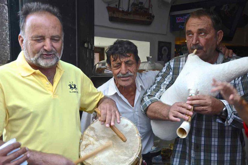 Ναξιώτικα τραγούδια - Νάξος - Greek Gastronomy Guide
