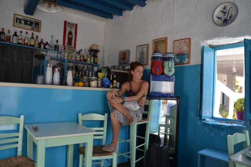 Το καφενείο της Χαράς στη Σχοινούσα - Greek Gastronomy Guide