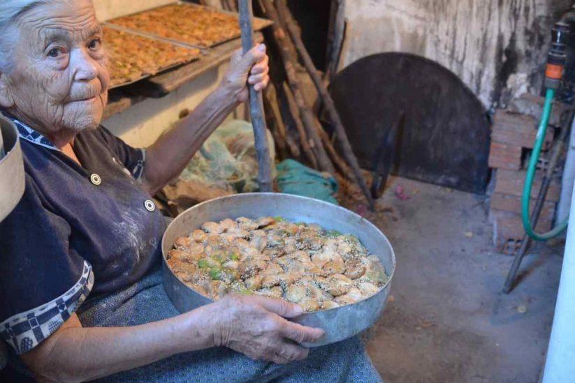 Tα σαμωτά σύκα της θείας Αννέζας - Πάρος - Greek Gastronomy Guide
