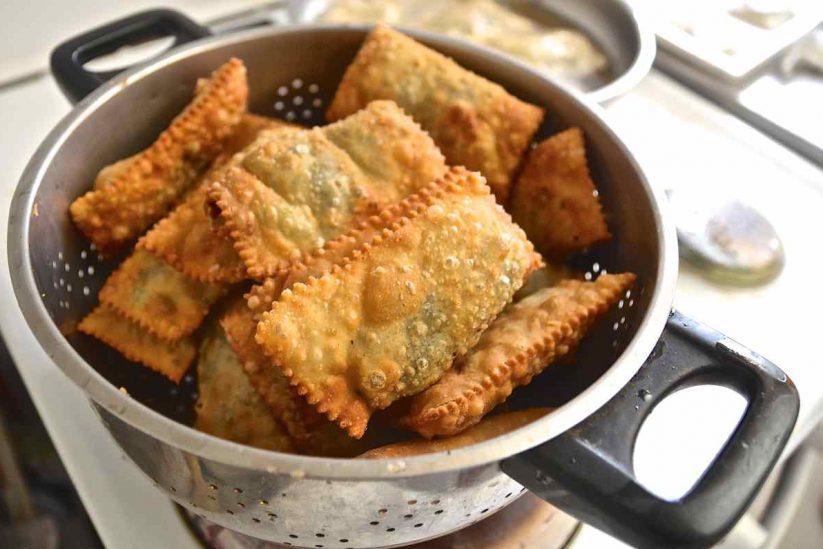 Τυροπιτάκια Αμοργού - Αμοργιανές πίτες - Greek Gastronomy Guide