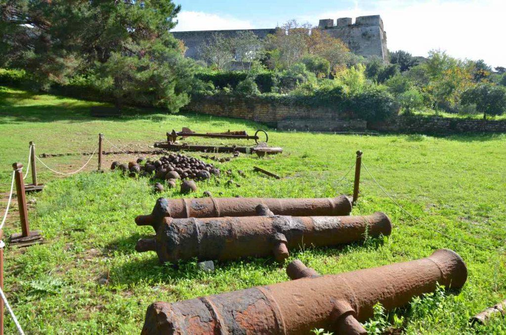 Κανόνια στο κάστρο της Πύλου - Μεσσηνία