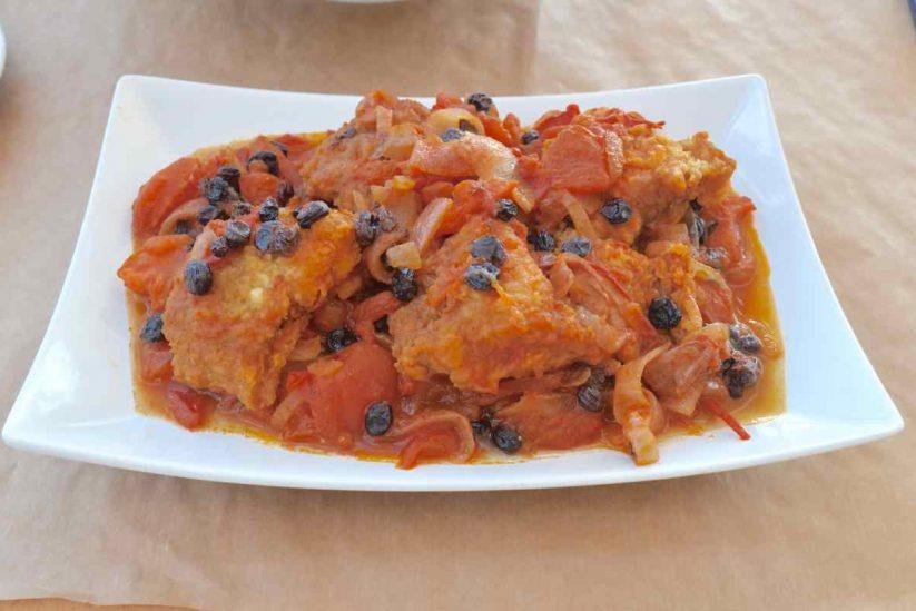 Μεζεδοπωλείο Στο Κύμα - Ανδρέας Ζαγάκος - Καλαμάτα - Μπακαλιάρος τσιλαδιά - Greek Gastronomy Guide