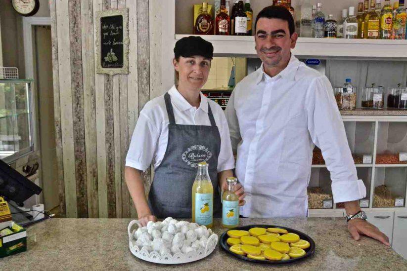 Λεμονοδάσος - Εργαστήρι Ζαχαροπλαστικής Βλάχος - Γαλατάς Τροιζηνίας - Greek Gastronomy Guide