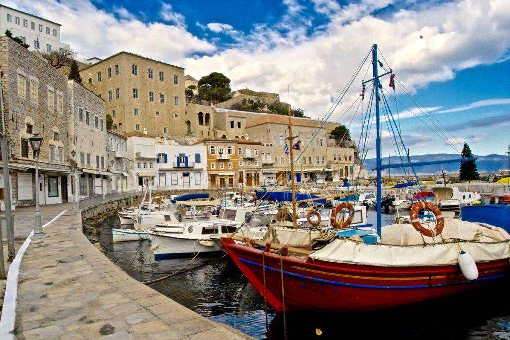 Ο πλούτος της Ύδρας: Τα φορτιάρικα ζώα - Greek Gastronomy Guide