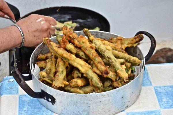 Xλωροκούκια τηγανητά - Γαστρονομία Μήλου - Μηλέικη κουζίνα - Greek Gastronomy Guide