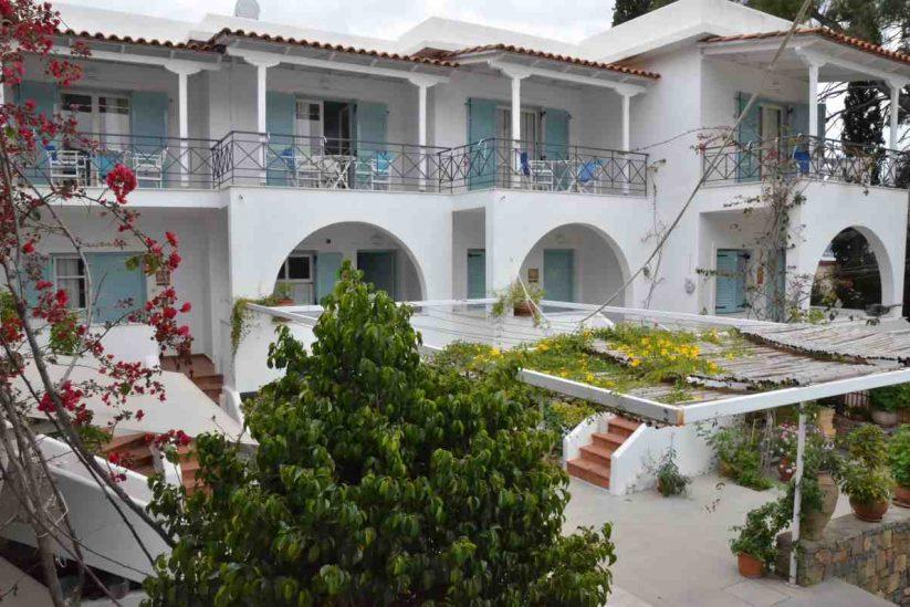 Odyssey Apartments, Κατερίνα Σακελλίου, Πόρος - Greek Gastronomy Guide