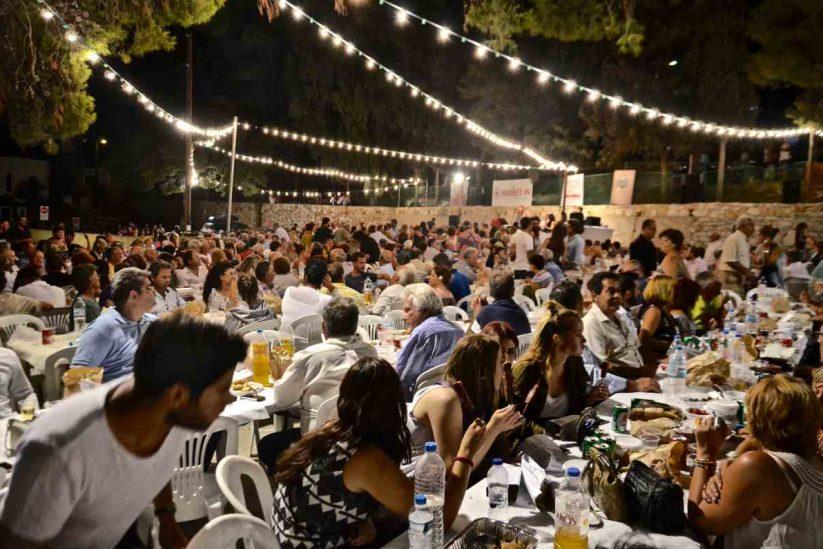 Η γιορτή του Καράβολα στις Λεύκες - Παρος - Greek Gastronomy Guide