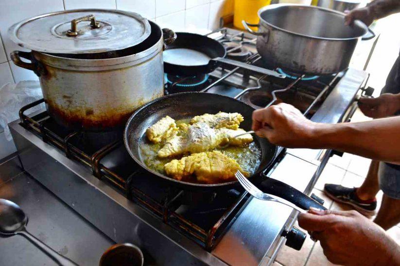 Μπακαλιάρος πλακί - Συνταγή - Αιγιάλεια - Greek Gastronomy Guide