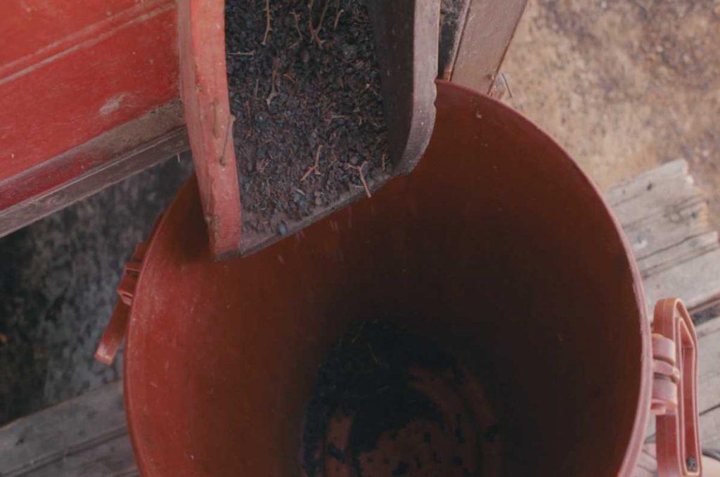 Η μάκινα, το πολύτιμο εργαλείο του σταφιδοπαραγωγού - Greek Gastronomy Guide