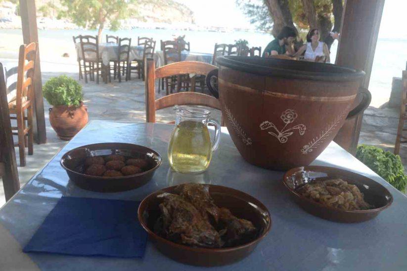 Ταβέρνα το Στέκι - Πλατύς Γιαλός, Σίφνος - Greek Gastronomy Guide