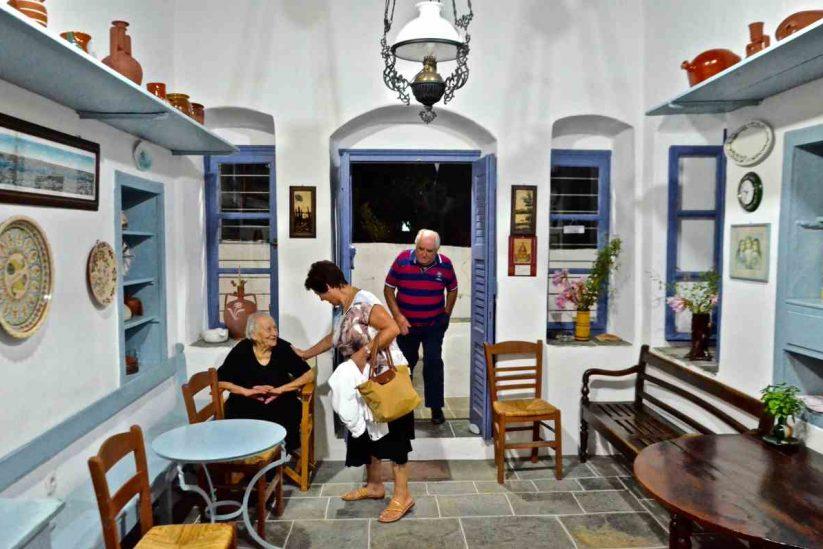 Ζαχαροπλαστείο Θεοδώρου - Σίφνος - Greek Gastronomy Guide