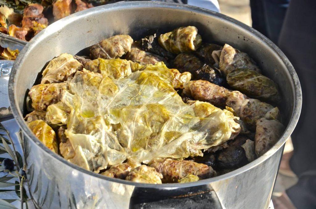 Ντολμάδες στην Κάλυμνο / φύλλα - Κάλυμνος - Greek Gastronomy Guide