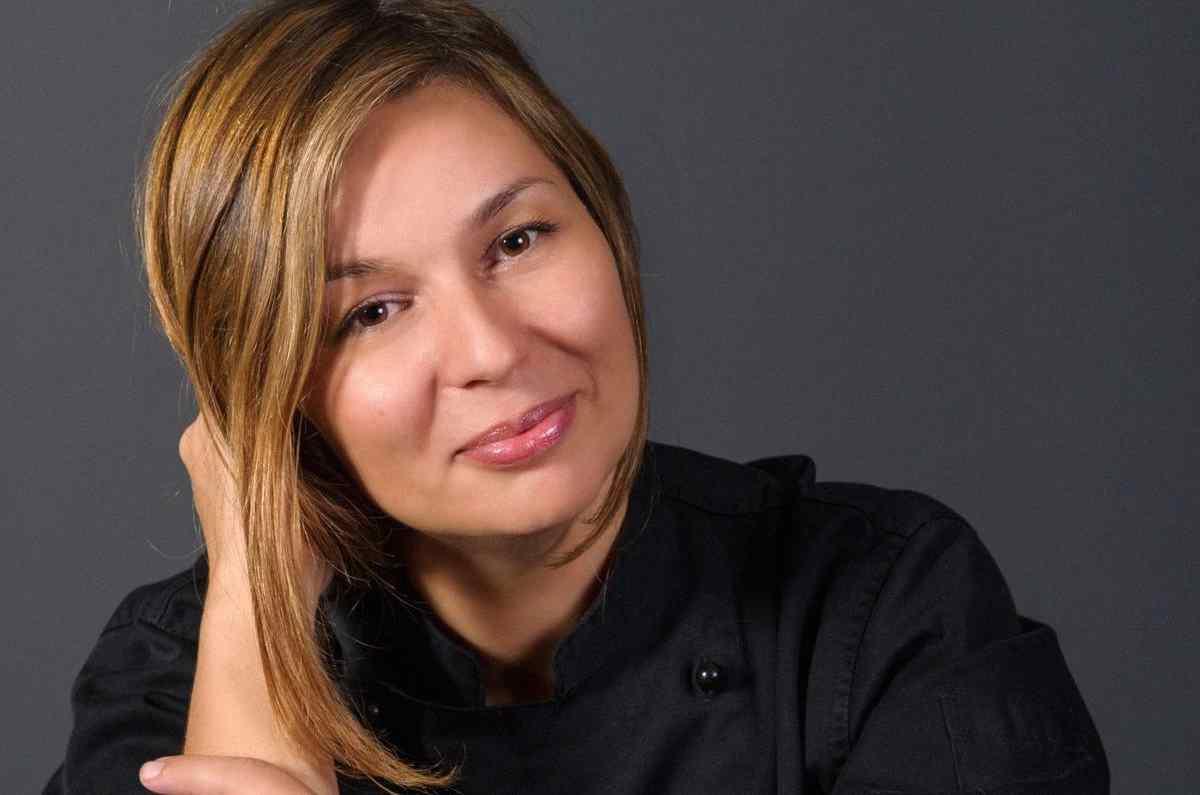 Κωνσταντίνα Φάκλαρη - Νοστιμιά και γλυκύτητα - Greek Gastronomy Guide