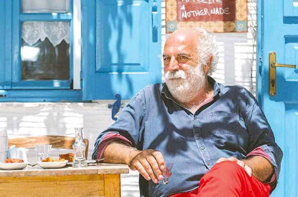"""""""Τι τα θέλετε τα κρουασάν όταν έχετε σφακιανές πίτες;"""" - Greek Gastronomy Guide"""