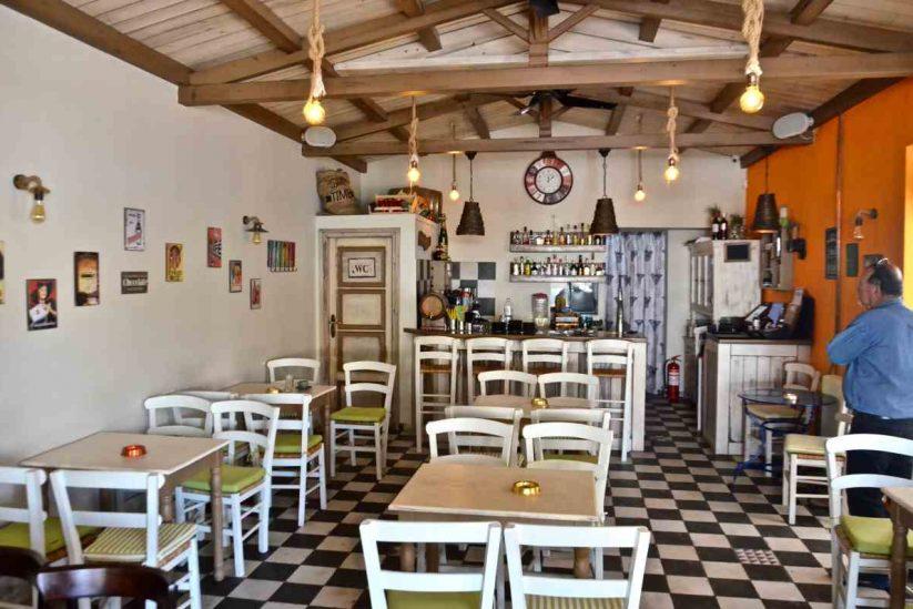 Ο Καφενές στην Ίο - Μανώλης Γαλεσάκης - Greek Gastronomy Guide
