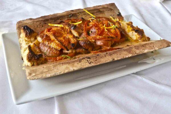 Χέλι ψημένο σε κεραμίδα - Greek Gastronomy Guide