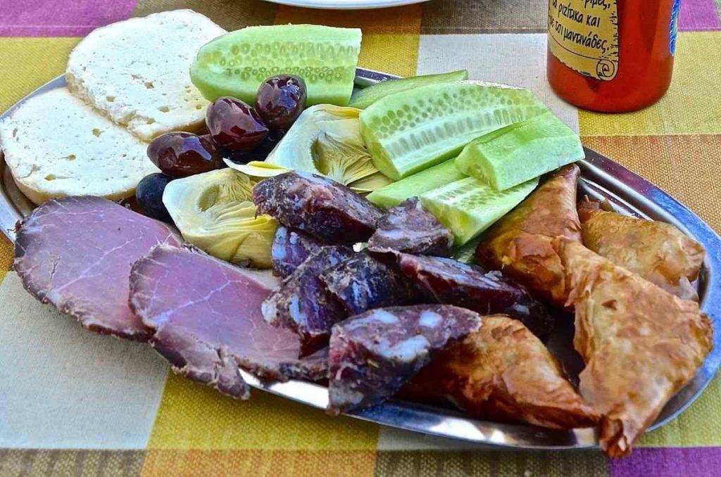 Ουζομεζέδες - Greek Gastronomy Guide
