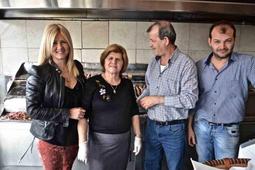 Τα Σουβλάκια του Ζάρου - Ευστάθιος Ζάρος, Αίγιο - Greek Gastronomy Guide