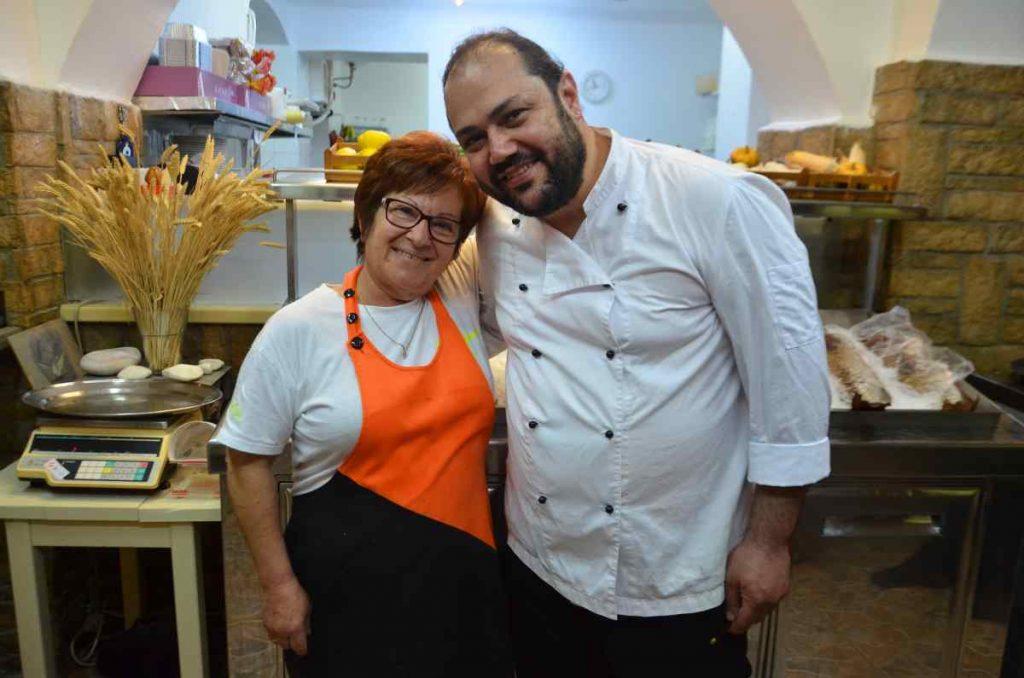 Εστιατόριο Γιαλός στα Πολλώνια - Μήλος - Greek Gastronomy Guide