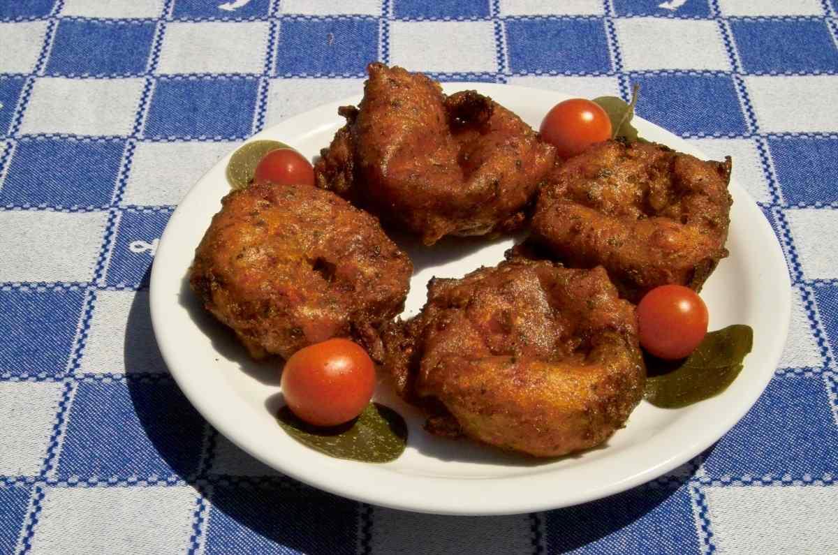 Ντοματοκεφτέδες Σαντορίνης - Greek Gastronomy Guide