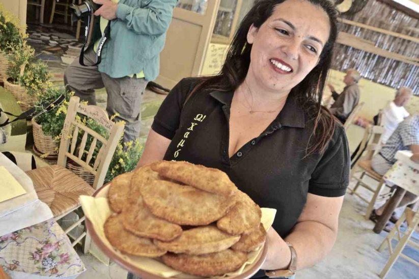 Ω! Χαμός - Πιταράκια και πλακόπιτες - Πίτες Μήλου - Greek Gastronomy Guide