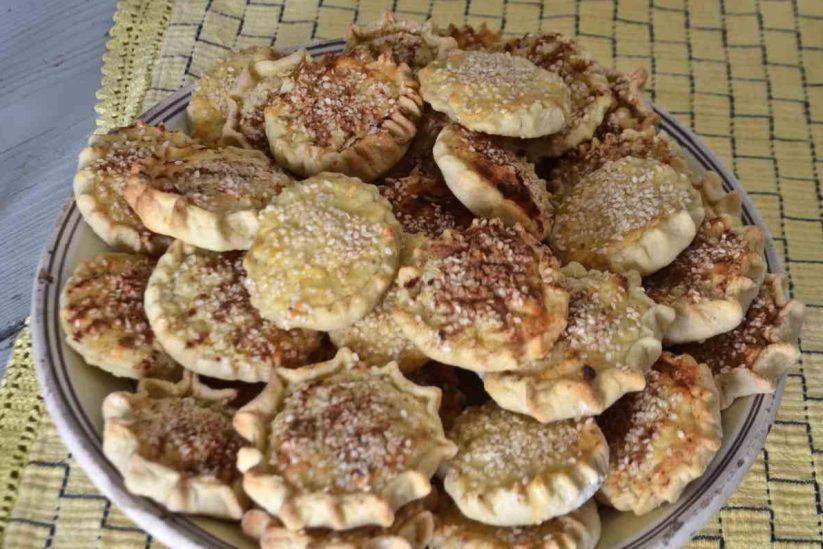 Πιταράκια και πλακόπιτες - Πίτες Μήλου - Greek Gastronomy Guide