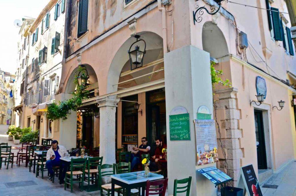 Στάζει Μέλι, λουκουμάδες - Κέρκυρα - Greek Gastronomy Guide