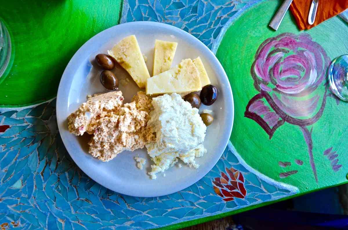Τυράκια Αμοργού - Greek Gastronomy Guide