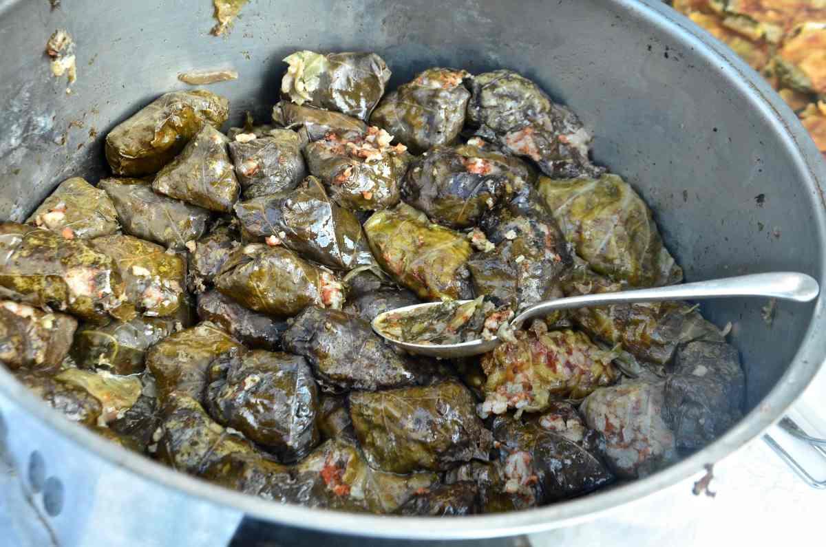 Φύλλα, ντολμάδες - Κάλυμνος: Γαστρονομικός Προορισμός - Greek Gastronomy Guide