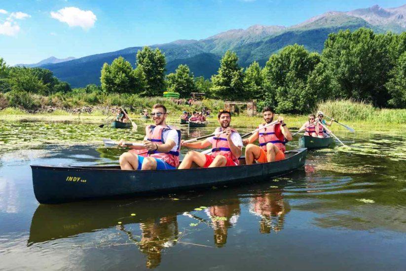 Πλέοντας στη λίμνη με κανό - Δραστηριότητες στη λίμνη Κερκίνη - Greek Gastronomy Guide