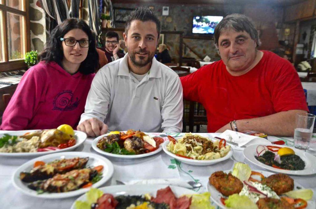 Ταβέρνα Όαση στο Νέο Πετρίτσι Σερρών - Λίμνη Κερκίνη - Greek Gastronomy Guide