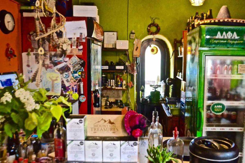 Καφενείο Μεσοχώρι - Πάνος Μάγγος & Βαγγελιώ Ρετάλη - Κάτω Πεδινά, Ζαγόρι - Greek Gastronomy Guide