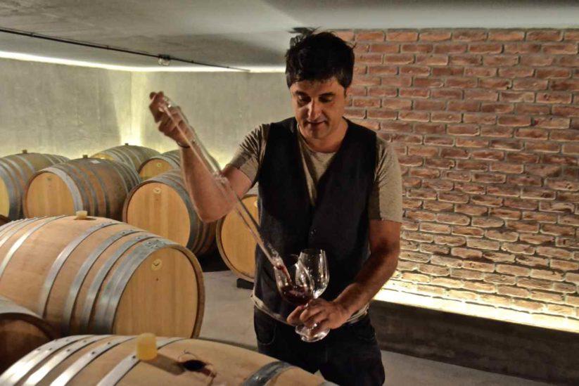 O Γιώργος Διαμαντάκος ανήκει στην νέα γενιά των οινοποιών της Νάουσας που έδωσαν μια νέα ώθηση στα κρασιά της Νάουσας