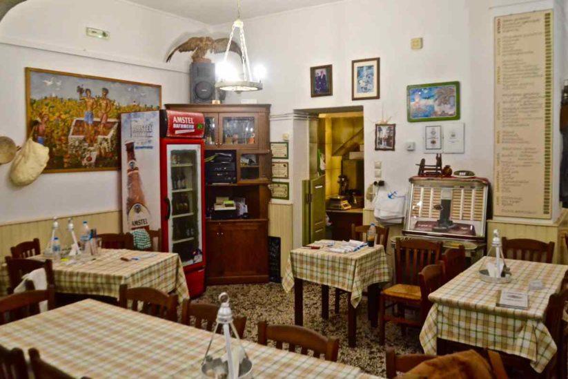 Τσιτσάνης Ταβέρνα - Βλάσσης Ρούσσος - Πρόδρομος, Πάρος - Greek Gastronomy Guide